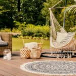 Decorating terraces and gardens 2021: 10 trends to include in your lounge area